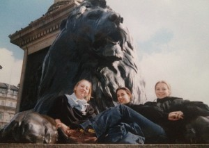 Nathalie, Joséphine & Sara in London in 1998